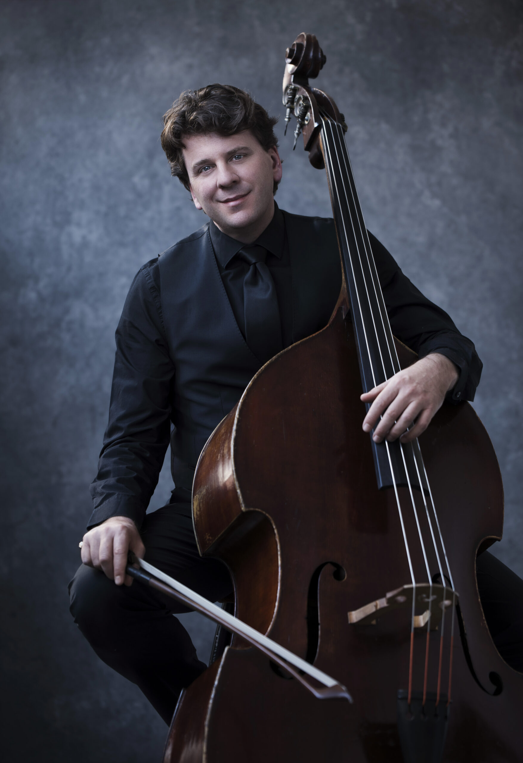 Dominic seldis with bass by frank ruiter kopie